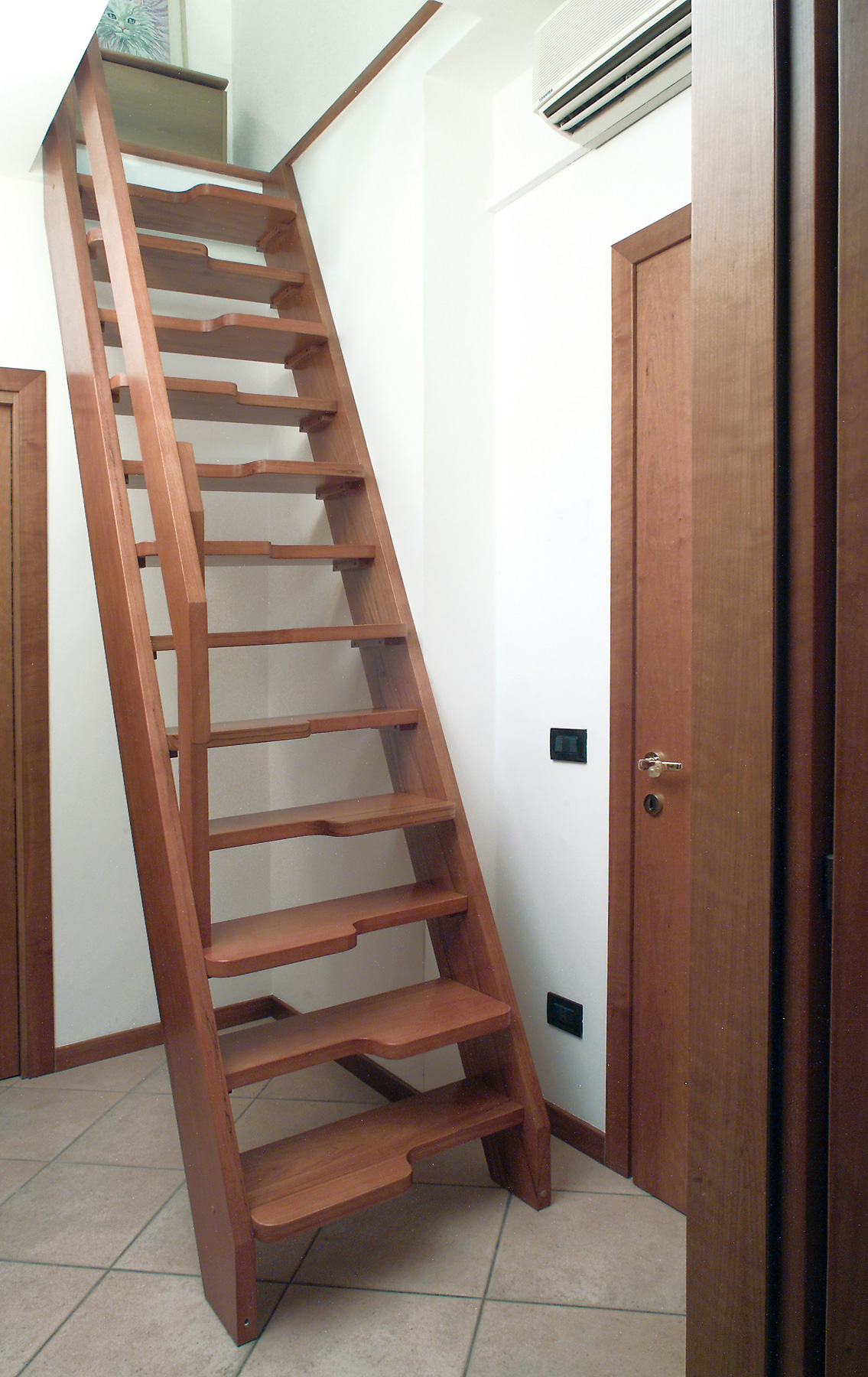 Scale alla marinara in legno terminali antivento per stufe a pellet - Scale prefabbricate in legno ...